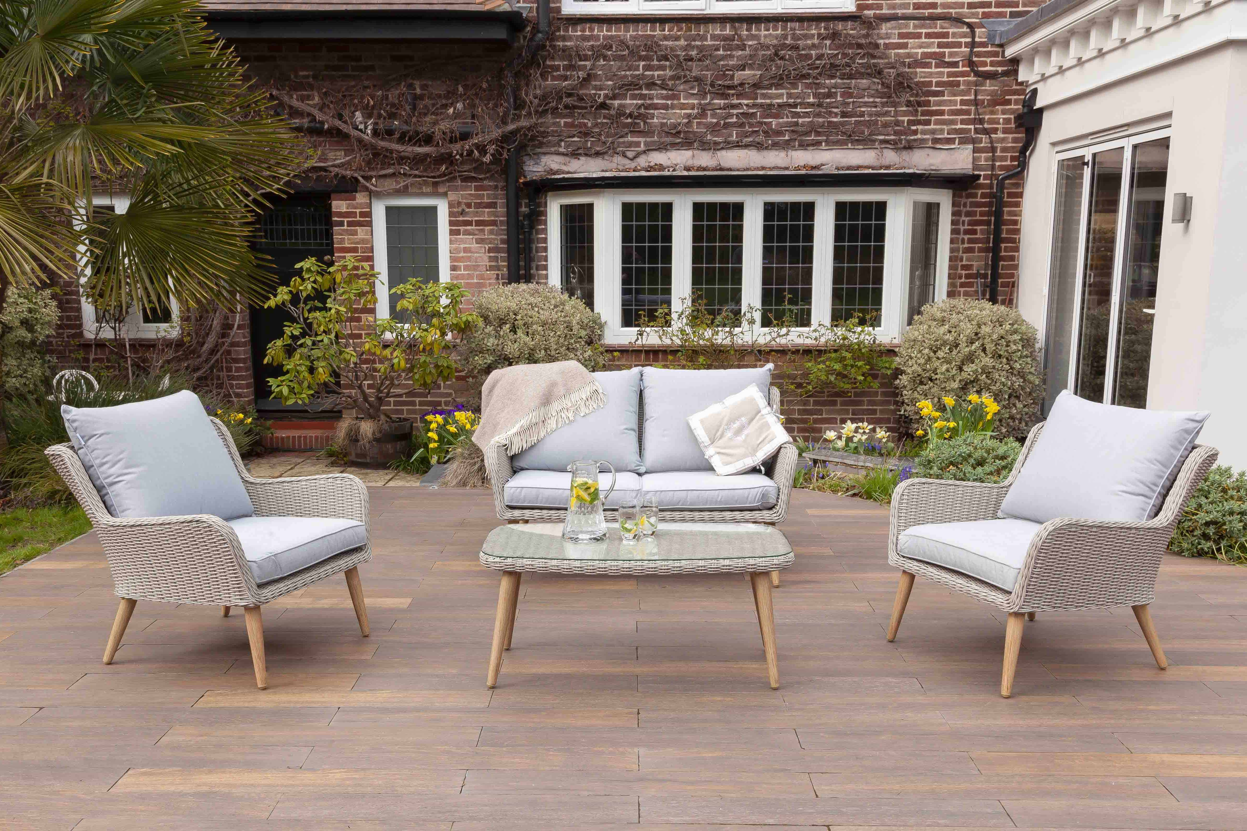 EnviroBuild announces 30% off garden furniture sale